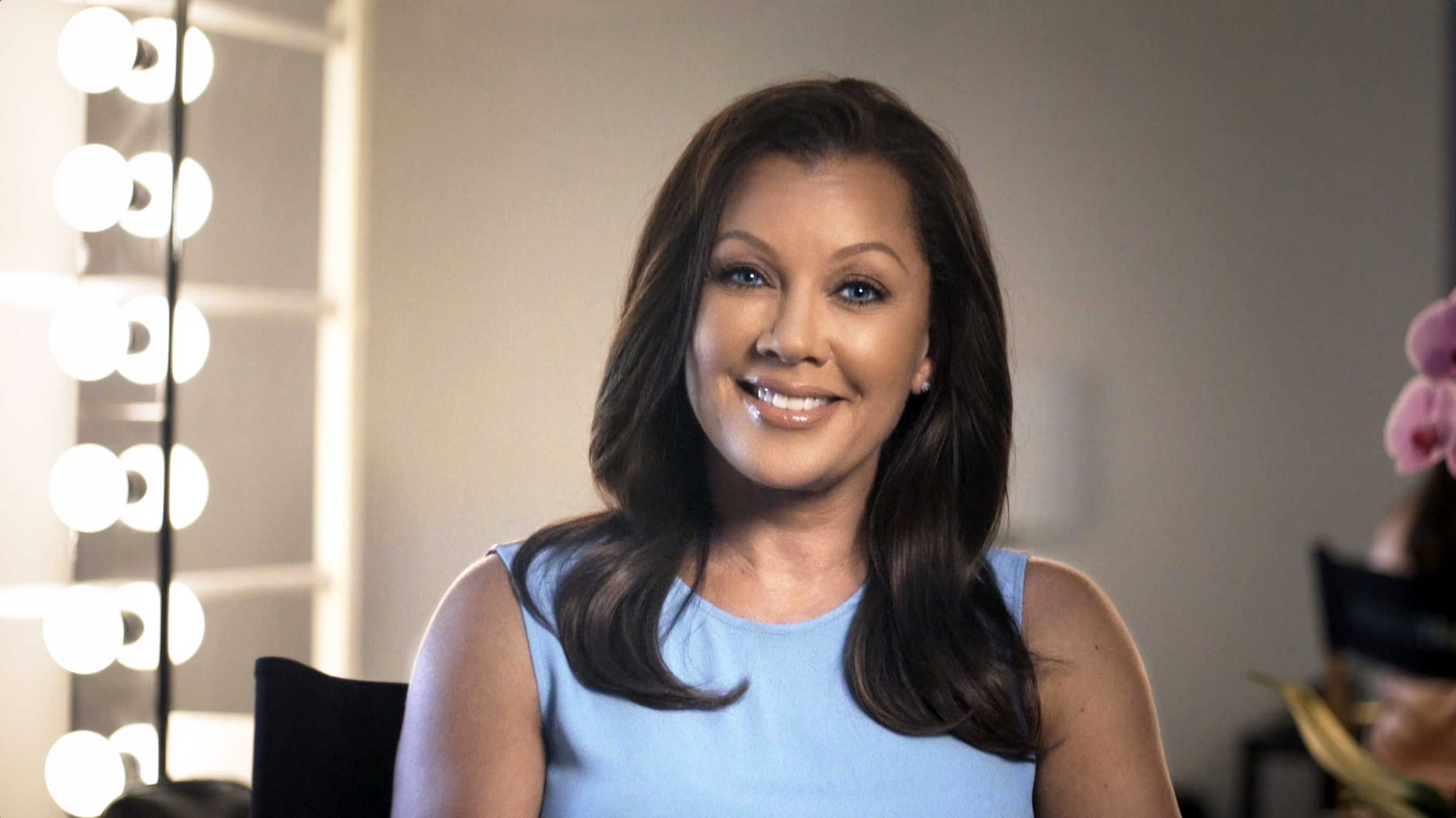 Longtime Clear Eyes spokesperson Vanessa Williams shares her own shining moment to launch Clear Eyes My Shining Moments Campaign, all about celebrating the emotional role that eyes (and taking care of our eyes!) play in our lives.