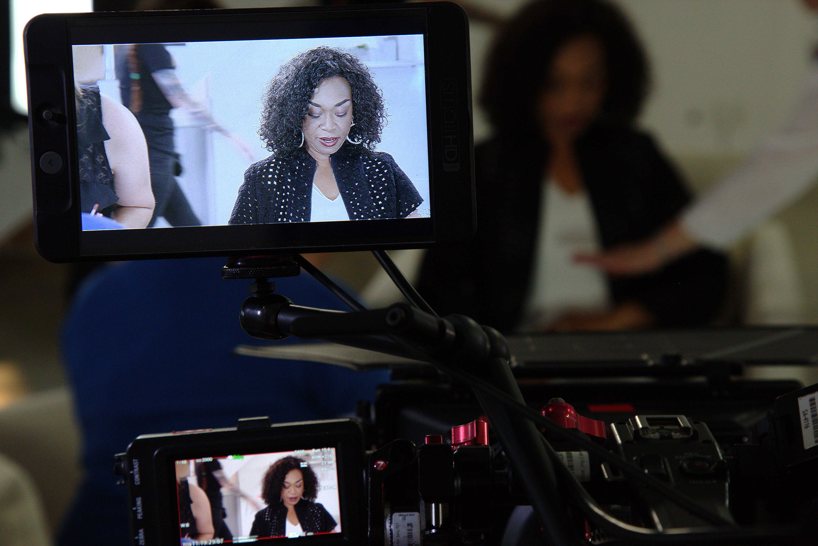 """Dove Real Beauty Productions Creative Director, Shonda Rhimes, on the set of """"Meet Kylee"""" where she and Kylee Howell collaborated to share Kylee' #RealBeauty story."""