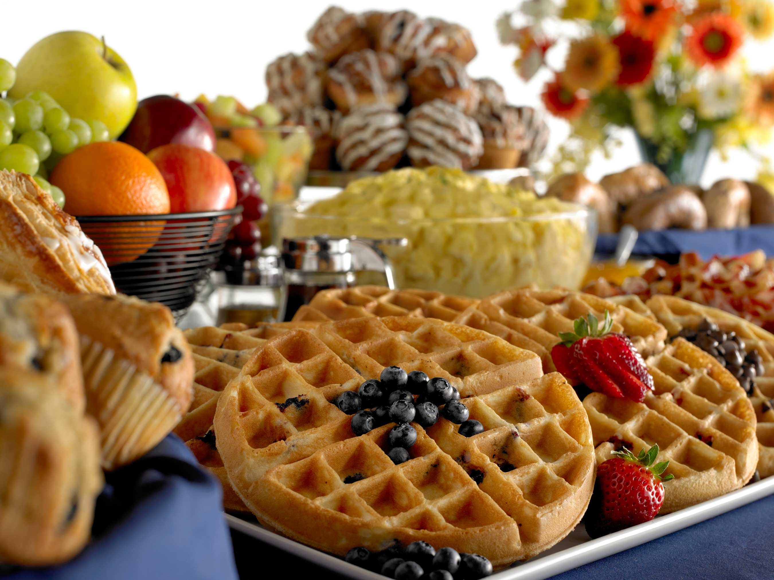 The complimentary hot breakfast offered at every Comfort hotel features hearty and healthy options. Hearty foods include hot eggs, bacon or sausage, and freshly prepared waffles.