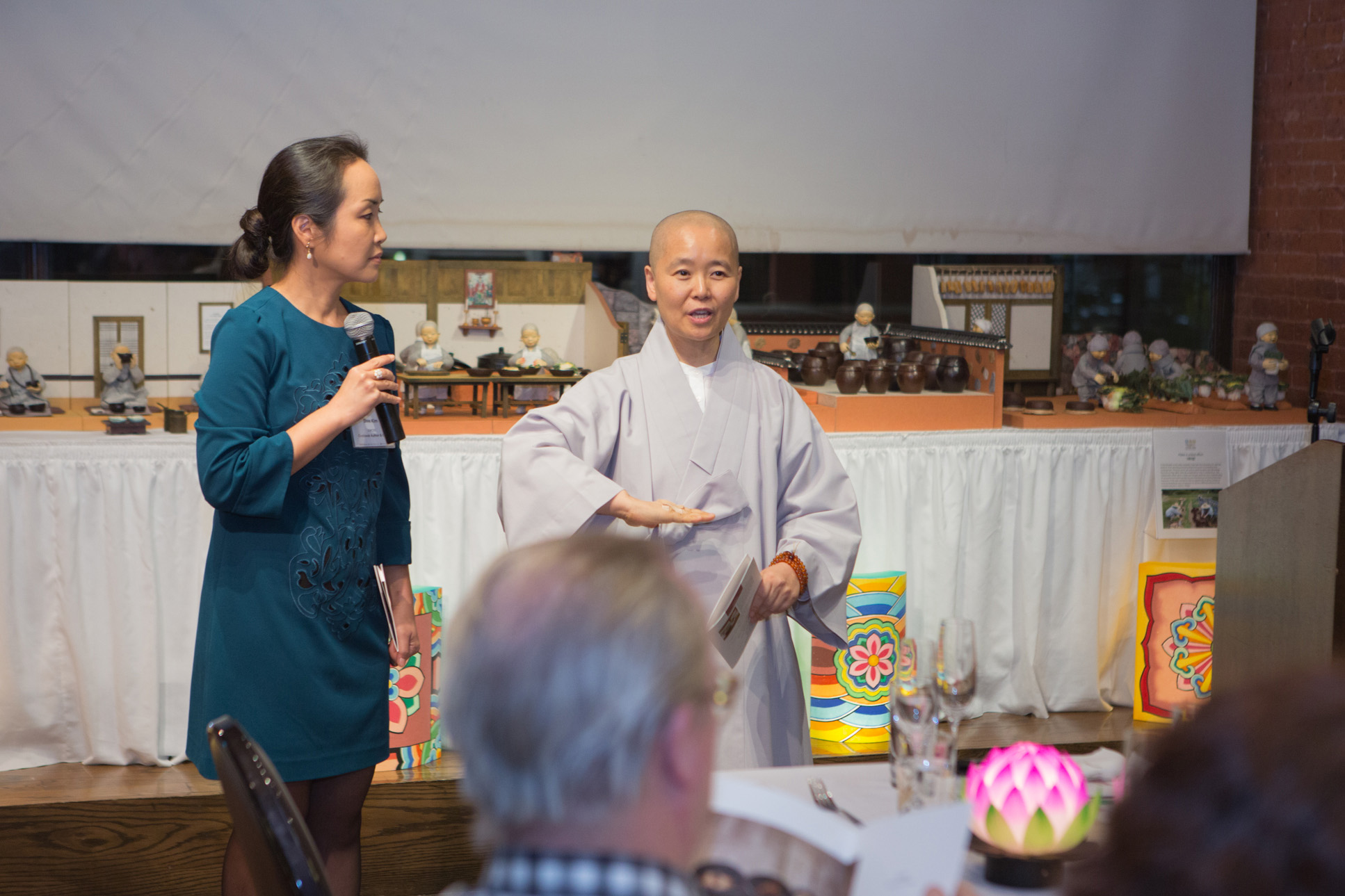 A lecture on temple food provided by Ven. Beopsong at the Cultural Week in New York