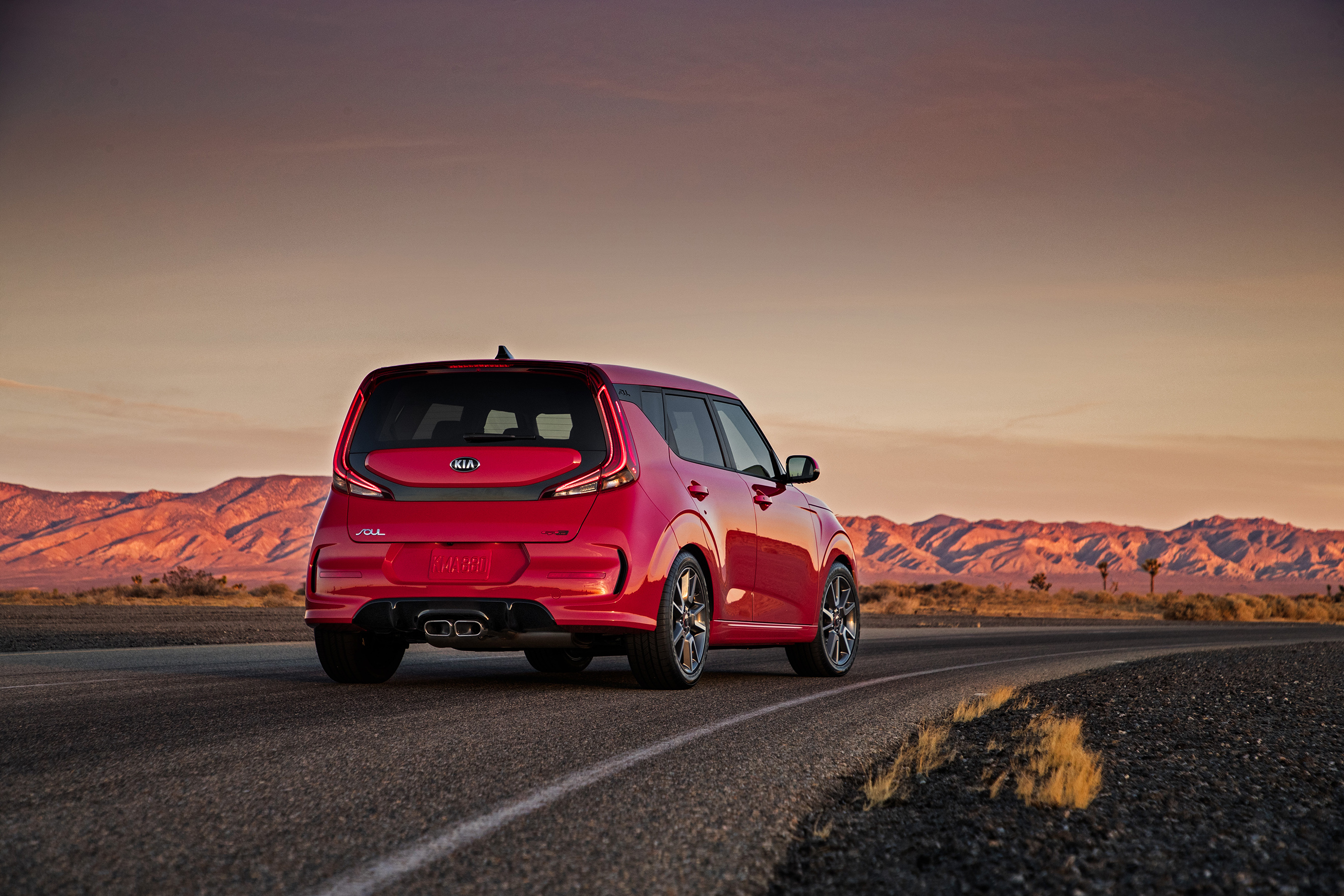 Kia Soul's iconic shape and profile evolve on top of all-new platform, providing a better way to roll.