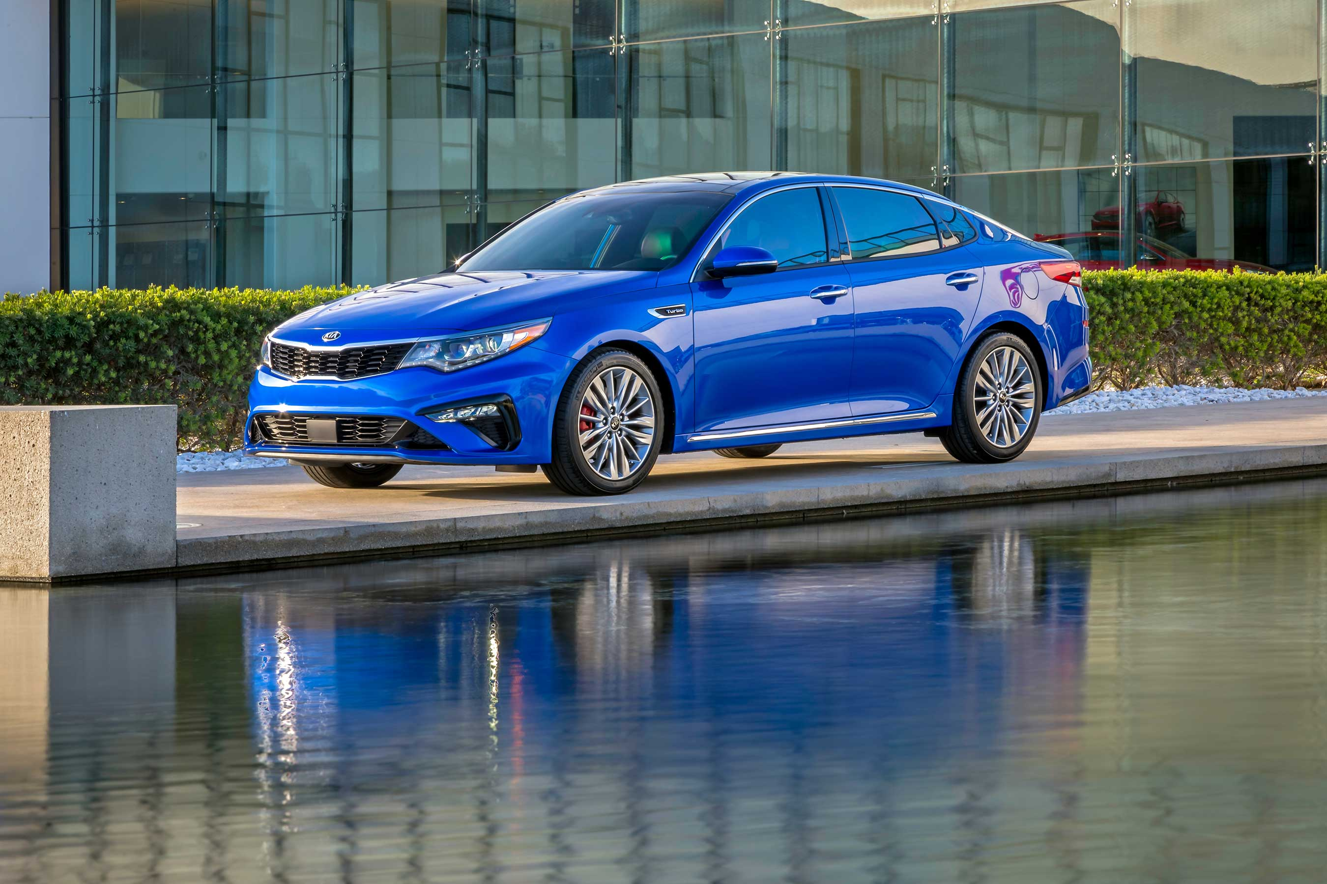 Proudly assembled in the U.S. at Kia Motors Manufacturing Georgia (KMMG) in West Point, Georgia, the 2019 Optima will arrive at Kia retailers later this year.
