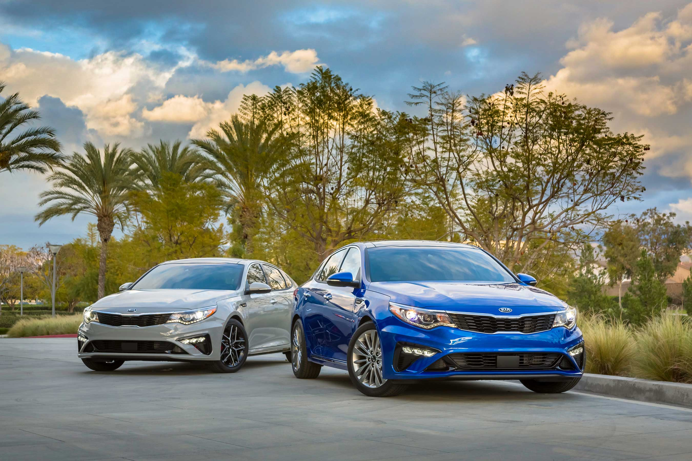 Refreshed 2019 Kia Optima debuts at New York International Auto Show.