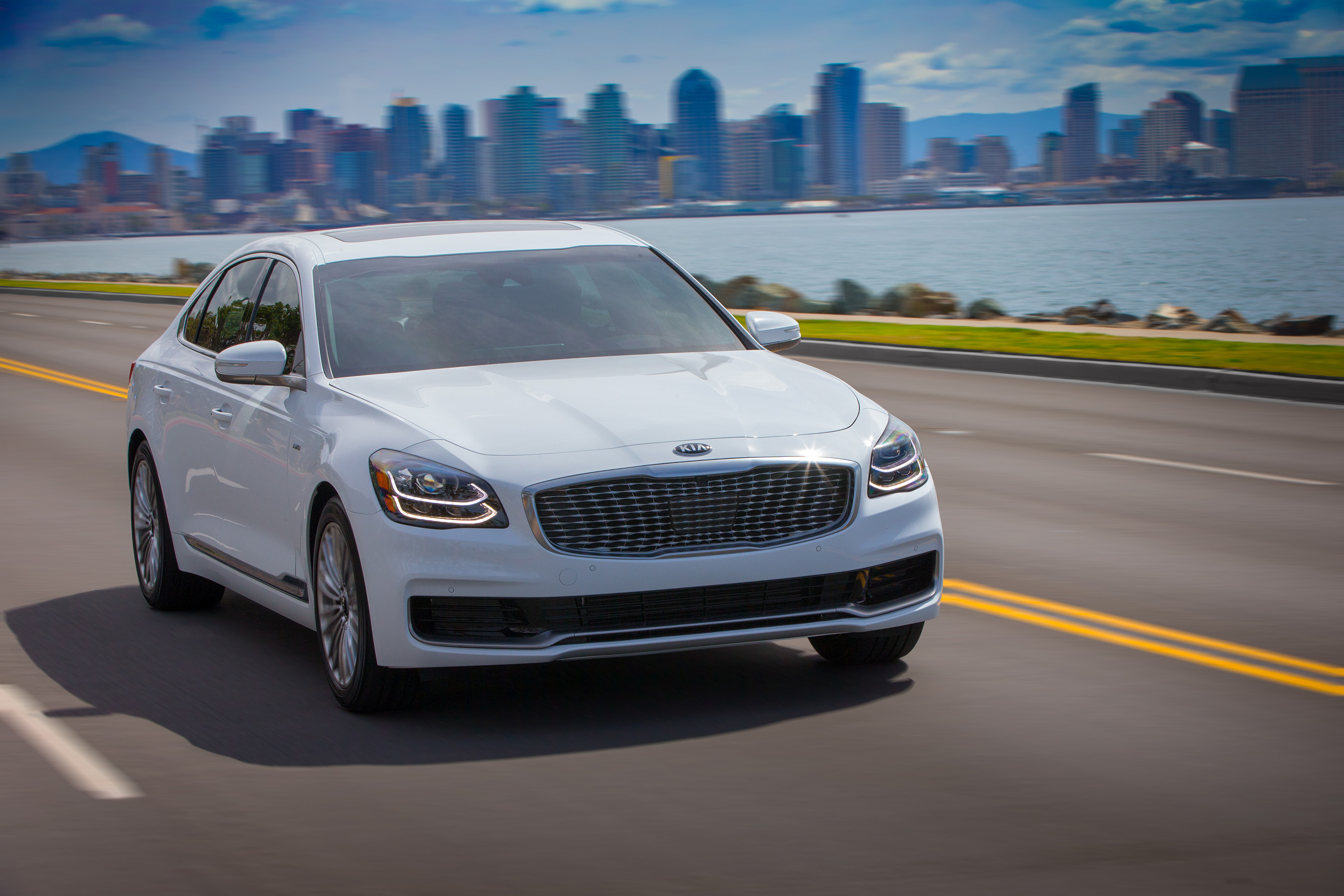 Reimagined 2019 kia k900 makes global debut at new york for Kia motors irvine ca