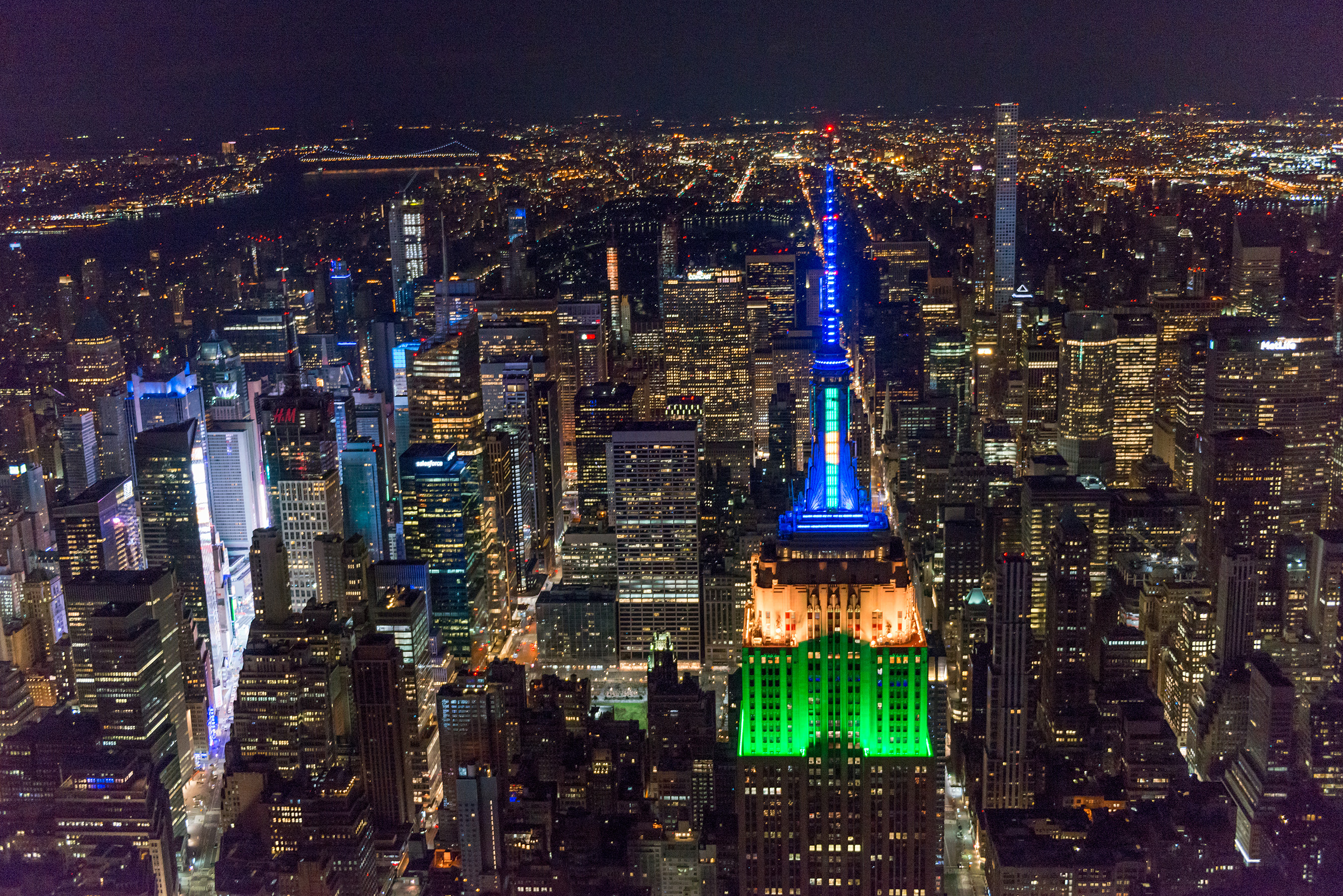 The Empire State Building shines for Brazil in honor of the 2018 World Cup