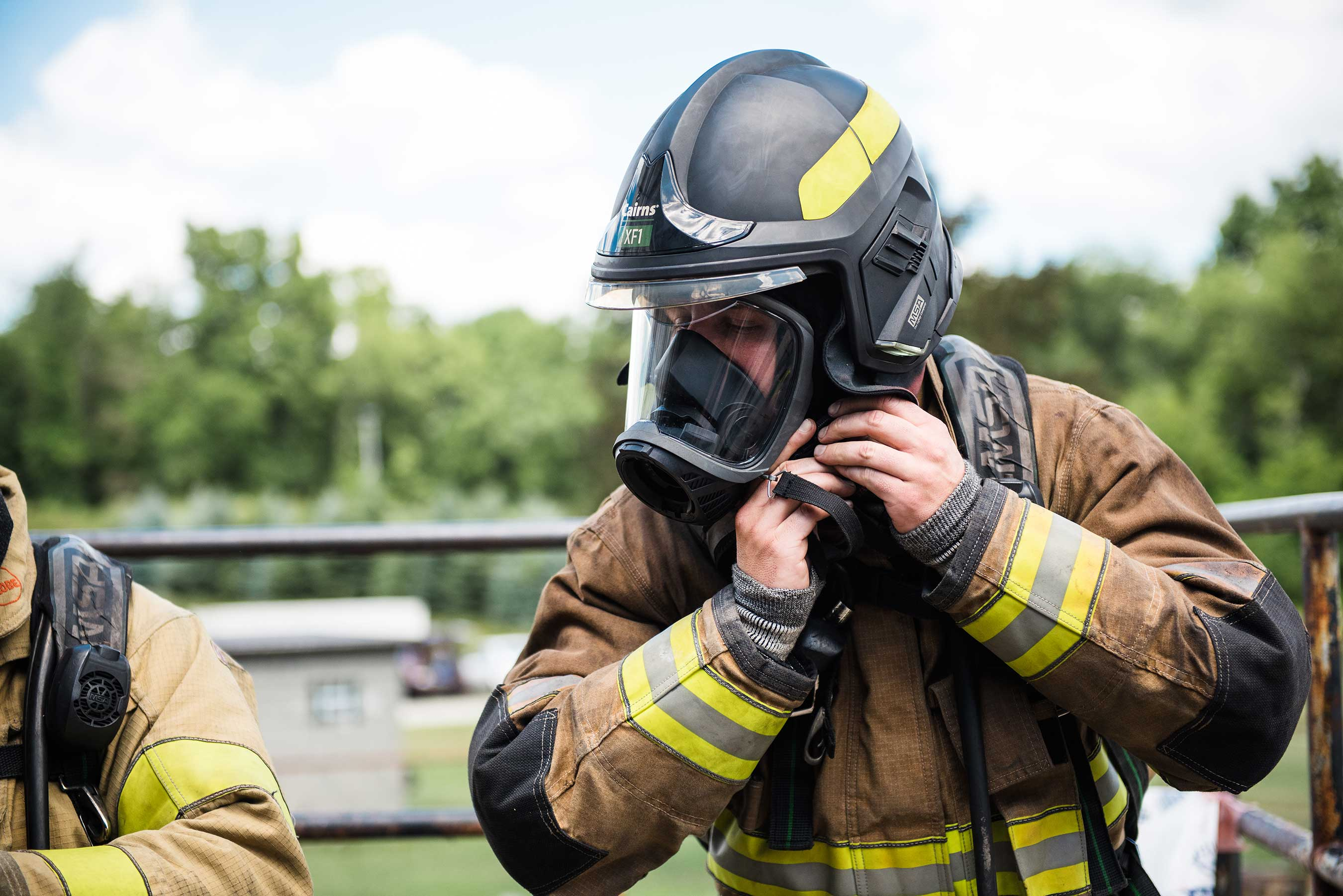 To maximize comfort, there are several easy-to-find adjustments so that the fire helmet fit can be customized to the individual. When it's all said and done, the contoured style of the XF1 doesn't just fit 99% of firefighters – it fits them comfortably.
