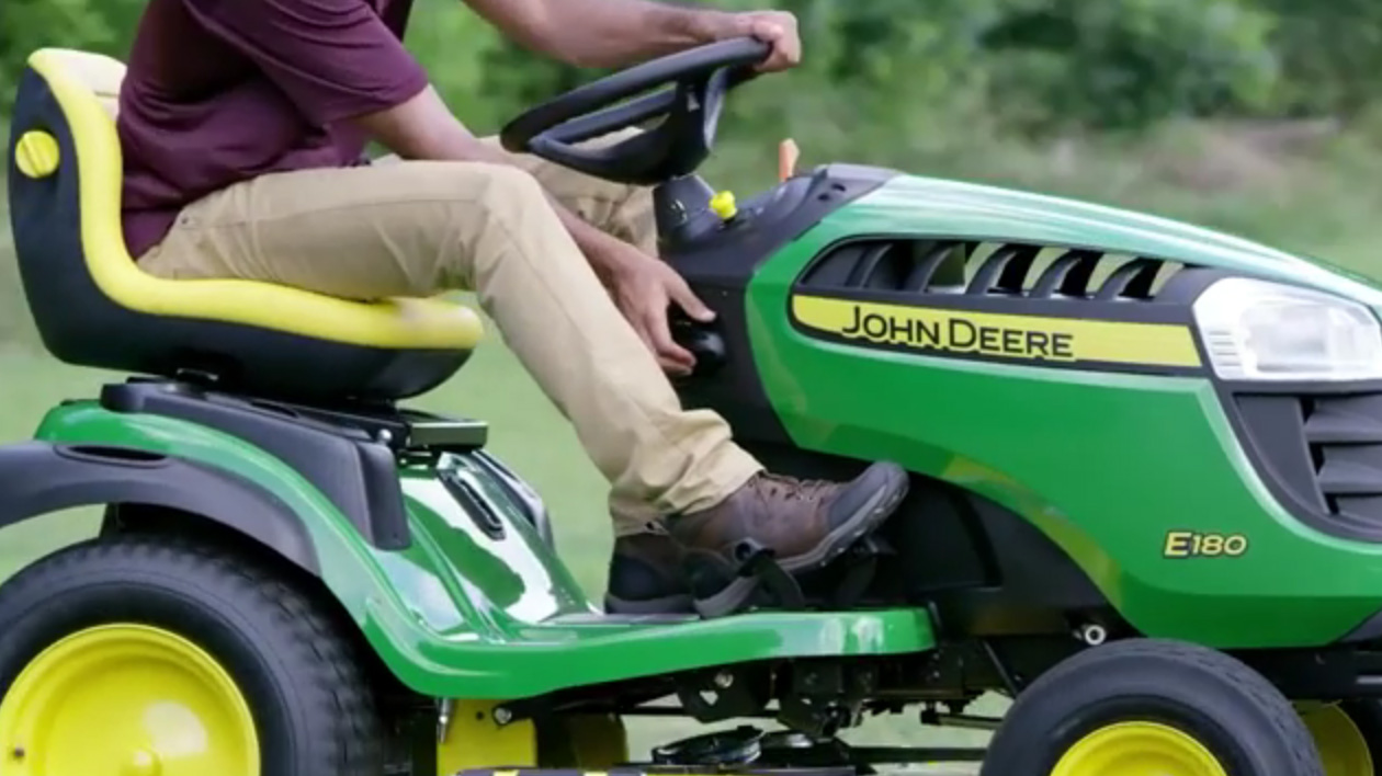 John Deere 100 Series >> John Deere Provides Comfort And Ease Of Use With New Lawn
