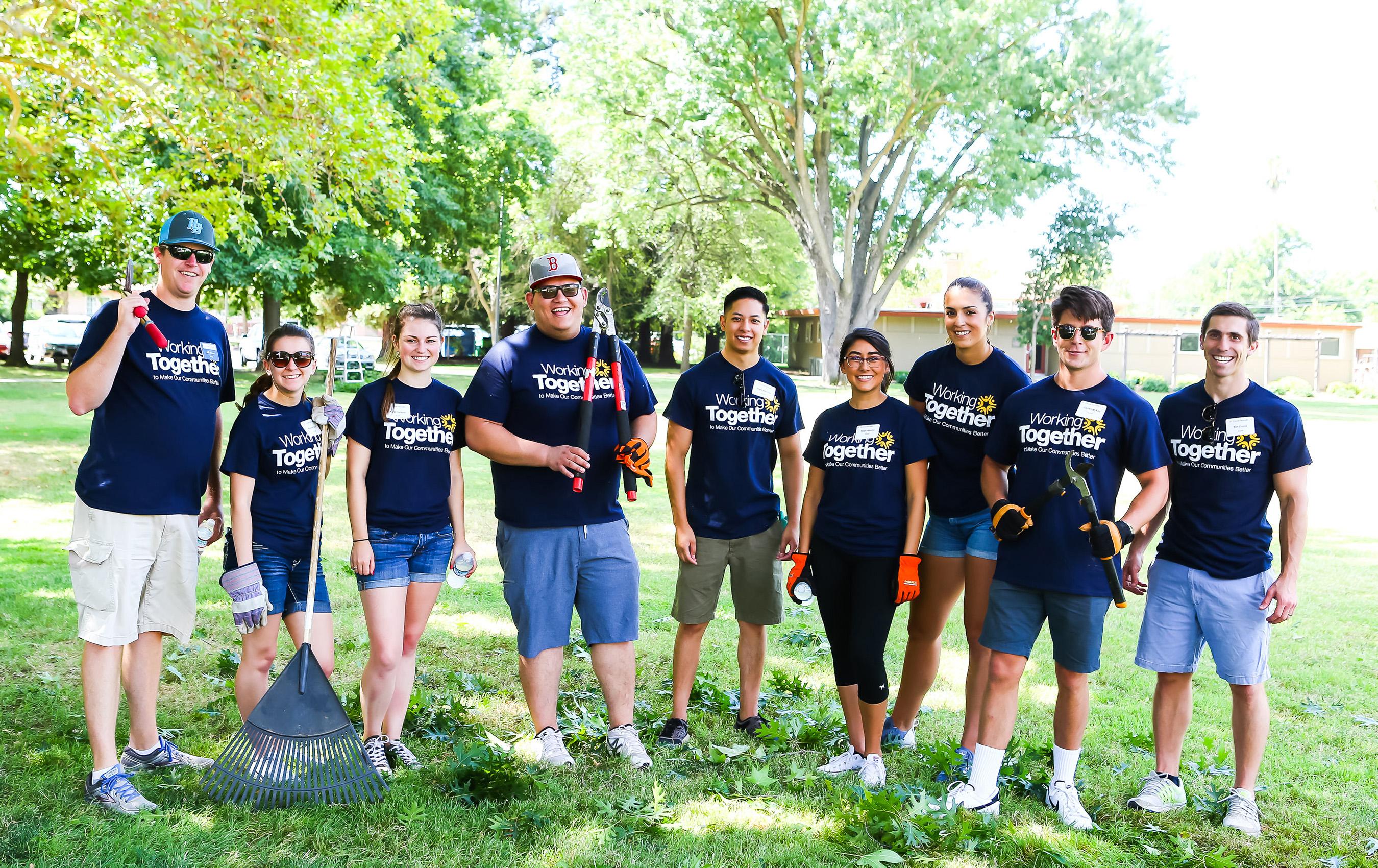 Crowe Sacramento team members volunteer in their community.
