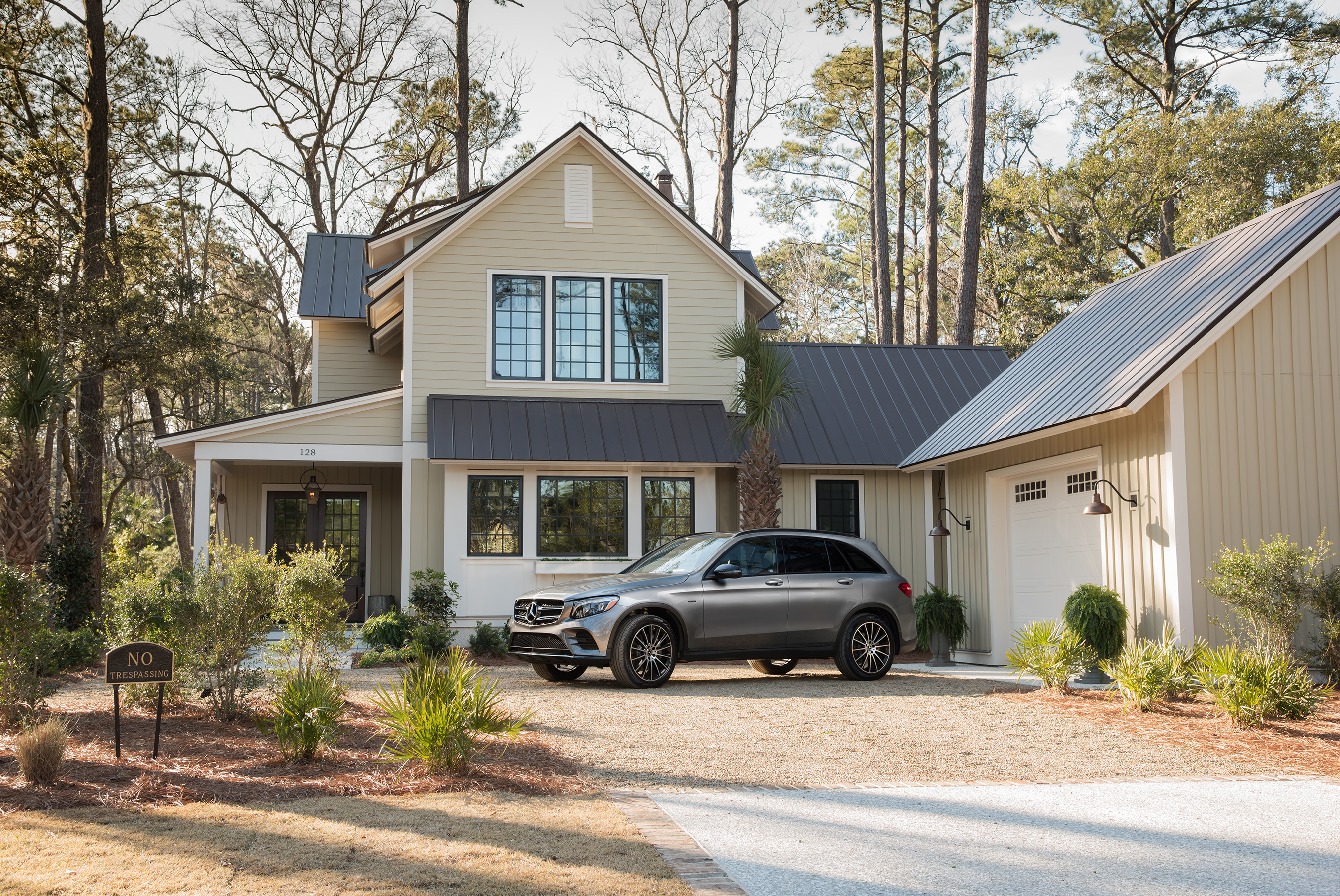 take a virtual tour of hgtv smart home 2018 located in palmetto bluff in south carolina. Black Bedroom Furniture Sets. Home Design Ideas
