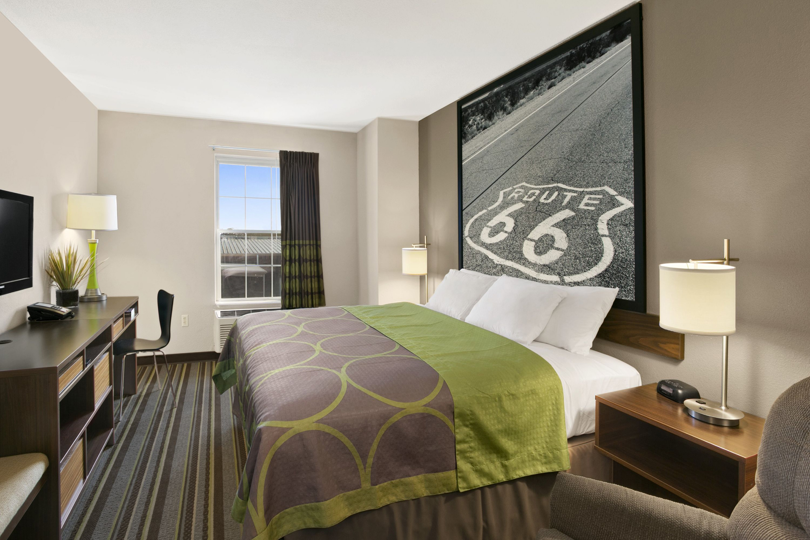 The interior of Super 8's redesigned guestroom was the inspiration for the creation of ROADM8 and its debut at the 2018 New York International Auto Show. Offering a sleek, new, modern look and feel, each room features classic black and white photography, which doubles as a headboard, depicting iconic landmarks and landscapes reflective of each hotel and its nearby surroundings.