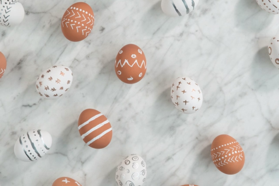 Both brown and white eggs are stunners with this simple decorating technique. Take a gold, white or silver paint pen and create the design your heart desires.