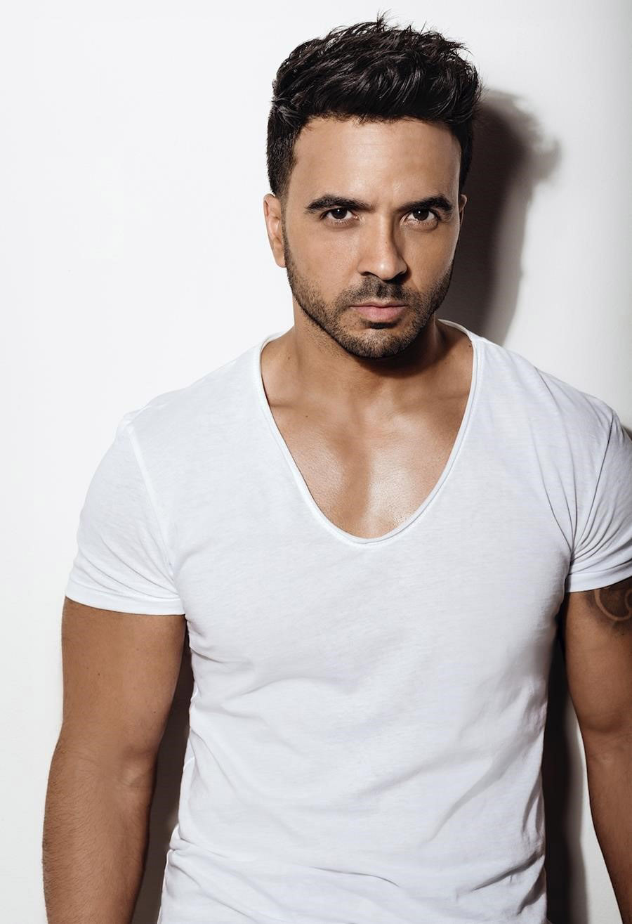 Luis Fonsi to Perform at Telemundo's 2018 Billboard Latin Music Awards, April 26 at 7pm/6c