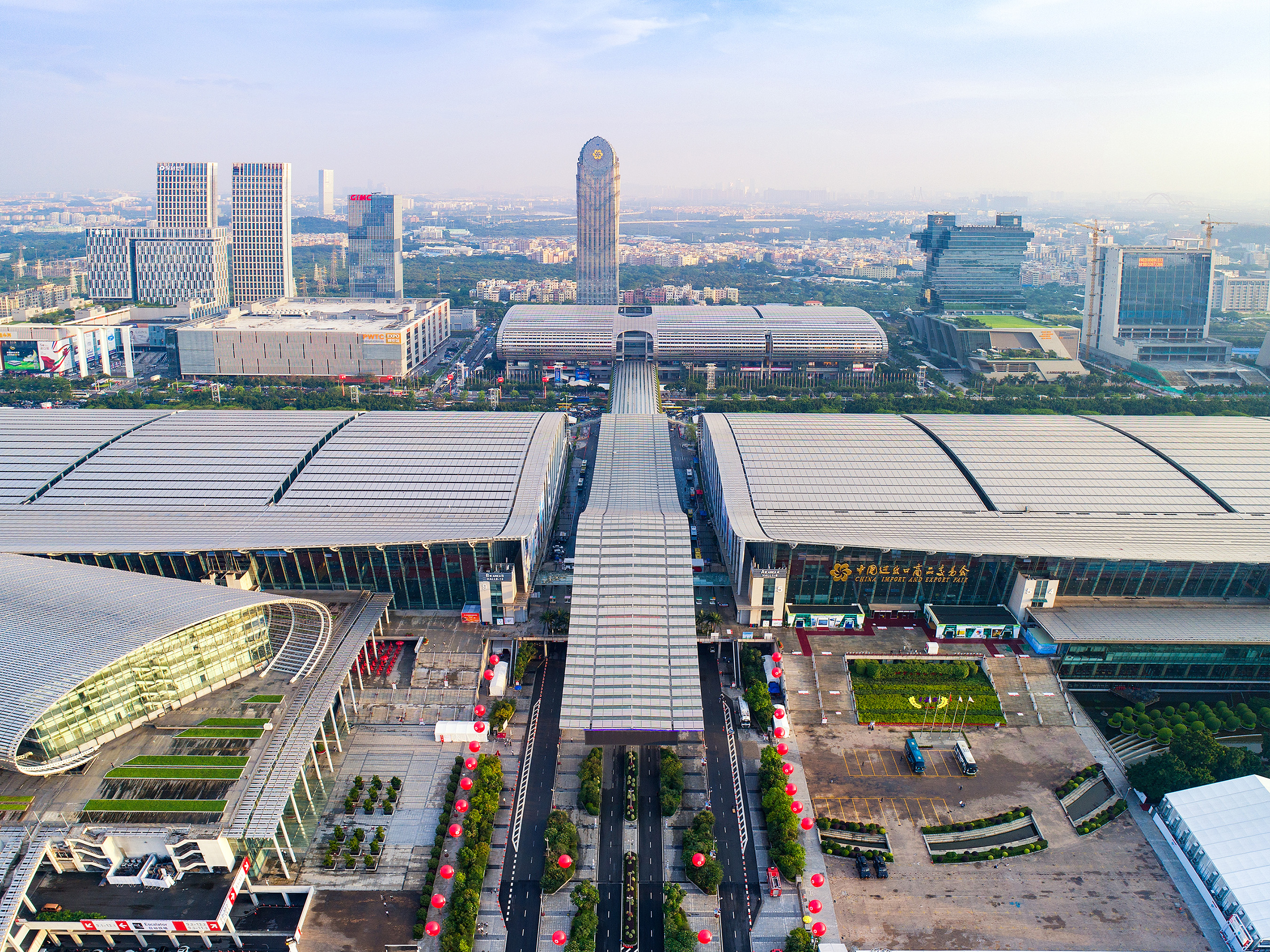 The Canton Fair enhances trade connection between China and the world