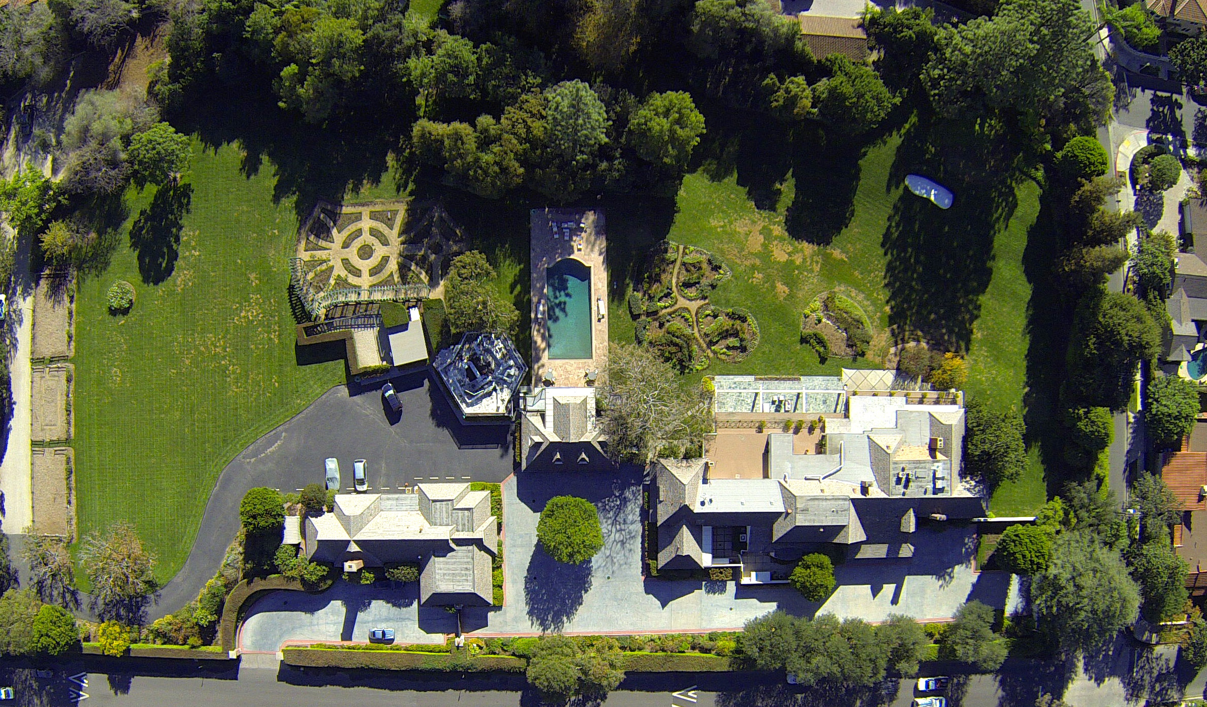 Aerial view of Bob and Dolores Hope's Toluca Lake estate sold by Craig Strong for $15 million