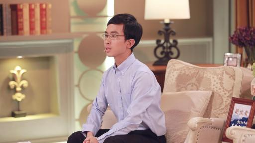 "Huang Hongxiang, a wildlife conservation worker shared his story themed of ""life"" on the show."