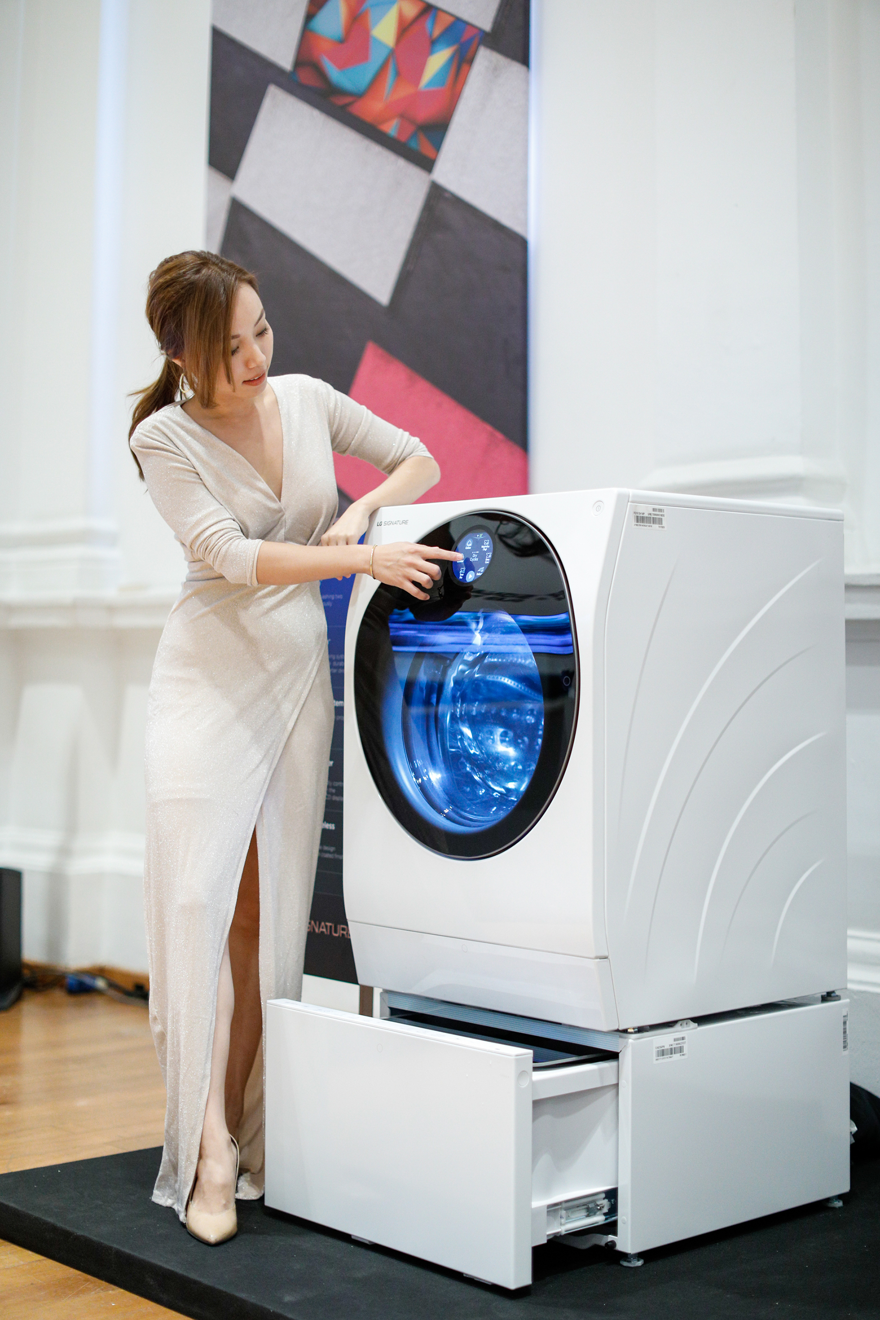 """It is important that a washing machine is easy to use, smart and cares for a variety of fabrics"" - Beatrice Tan"