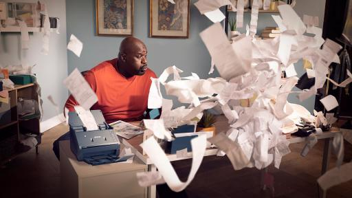 Shaquille O'Neal blows away tax time stress with fast, easy and smart Epson receipt scanners.