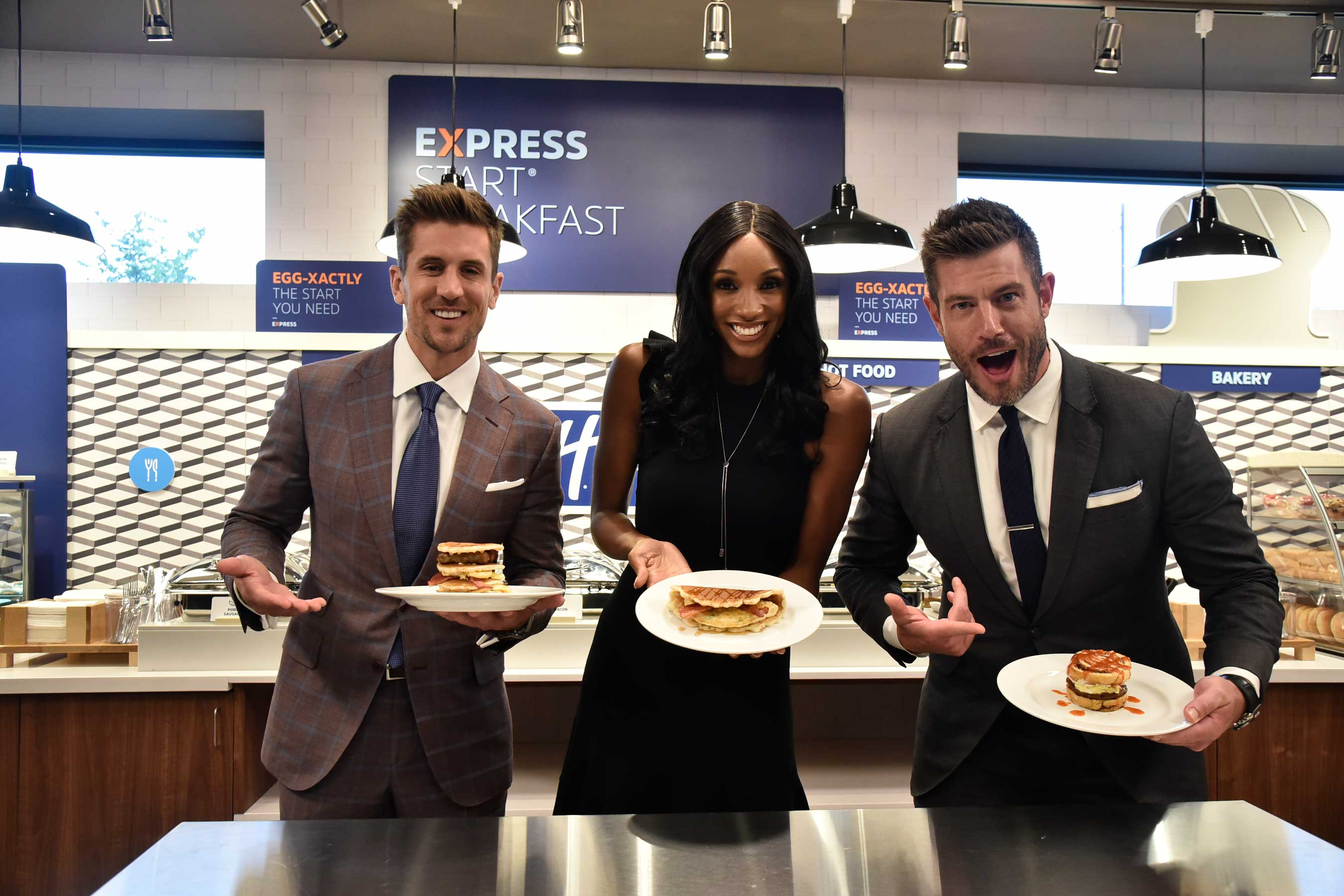 Jordan Rodgers, Maria Taylor and Jesse Palmer compete to create their ultimate breakfast sandwich in the Holiday Inn Express READIEST Breakfast Challenge.