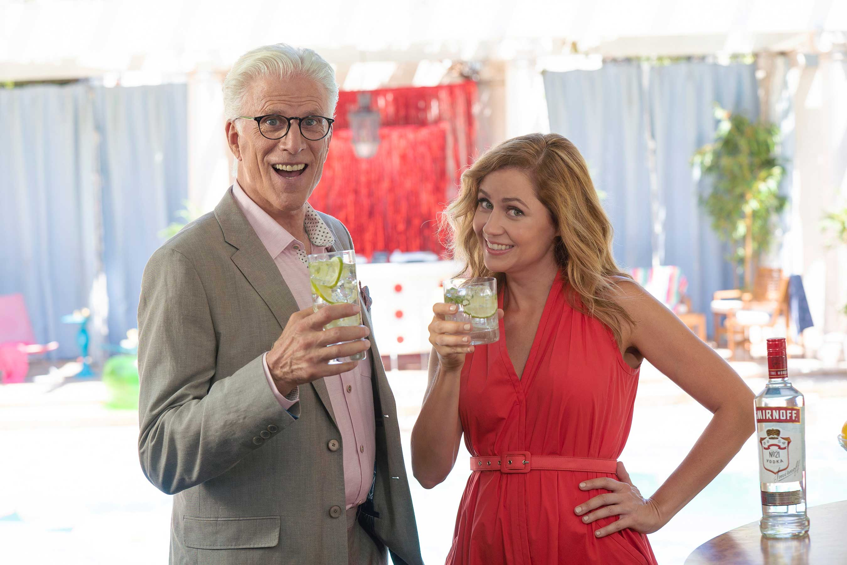 Ted Danson and Jenna Fischer announce that Smirnoff No. 21 is now non-GMO.