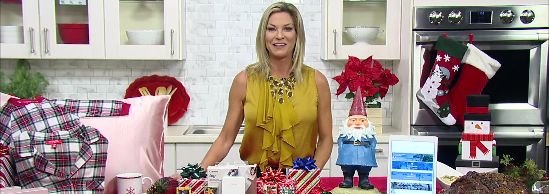 Lifestyle Expert Shares Her Last-Minute Tips for the Holidays