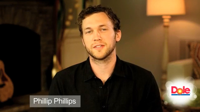 Dole Packaged Foods, LLC has teamed up with Phillip Phillips to Share the Sunshine this holiday season.