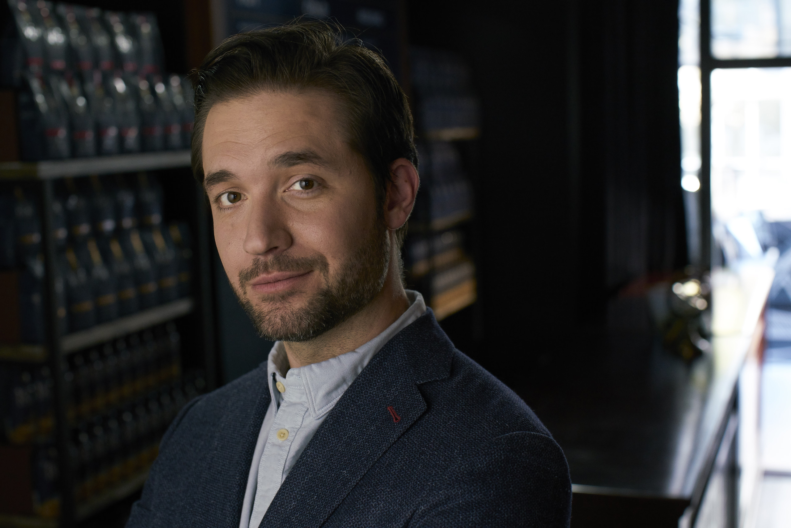 Alexis Ohanian, Initialized Capital and Reddit co-founder, mentors young entrepreneurs competing for an opportunity to fund their enterprising ideas from 1850™ Brand Coffee.