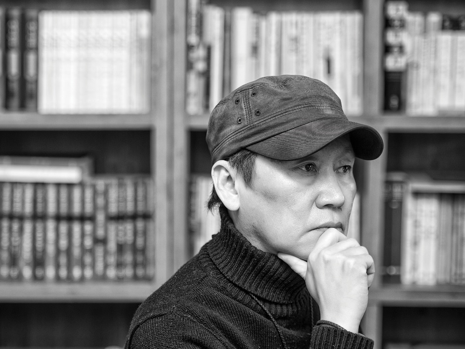 How do Korean films get made? What is the role of a producers and what do they consider when creating a film? Join us at The Korea Society and hear renowned producer Dong-Yeon Won answer these questions.