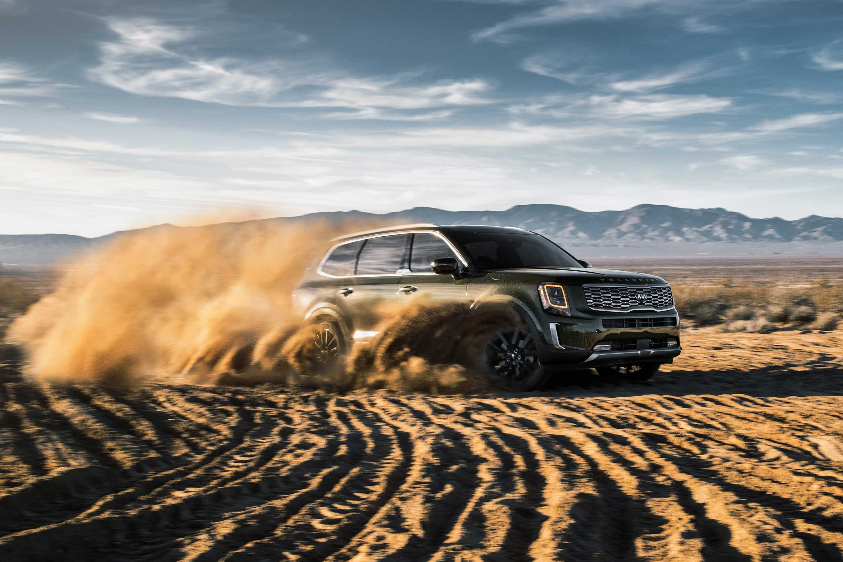 The all-new 2020 Kia Telluride is loaded with technology to enhance comfort, convenience, utility and the driver and passenger experience offering the potential for exploration and adventure every time it's on the road, or off.