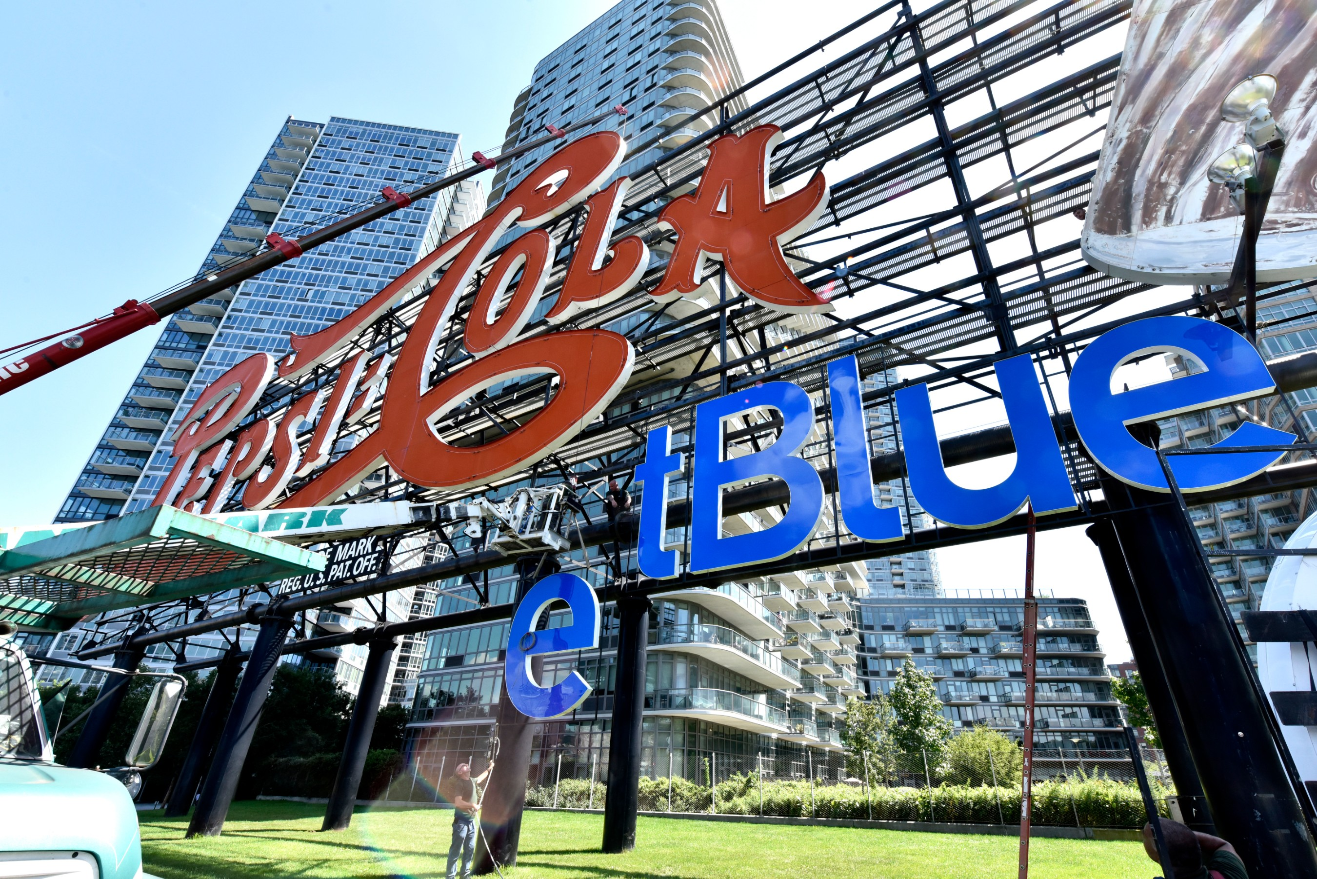 Installation began on the temporary JetBlue signage placed on the landmark Pepsi-Cola sign in Long Island City, New York on August 20, 2019. The updated sign will commemorate the new partnership between PepsiCo and JetBlue.
