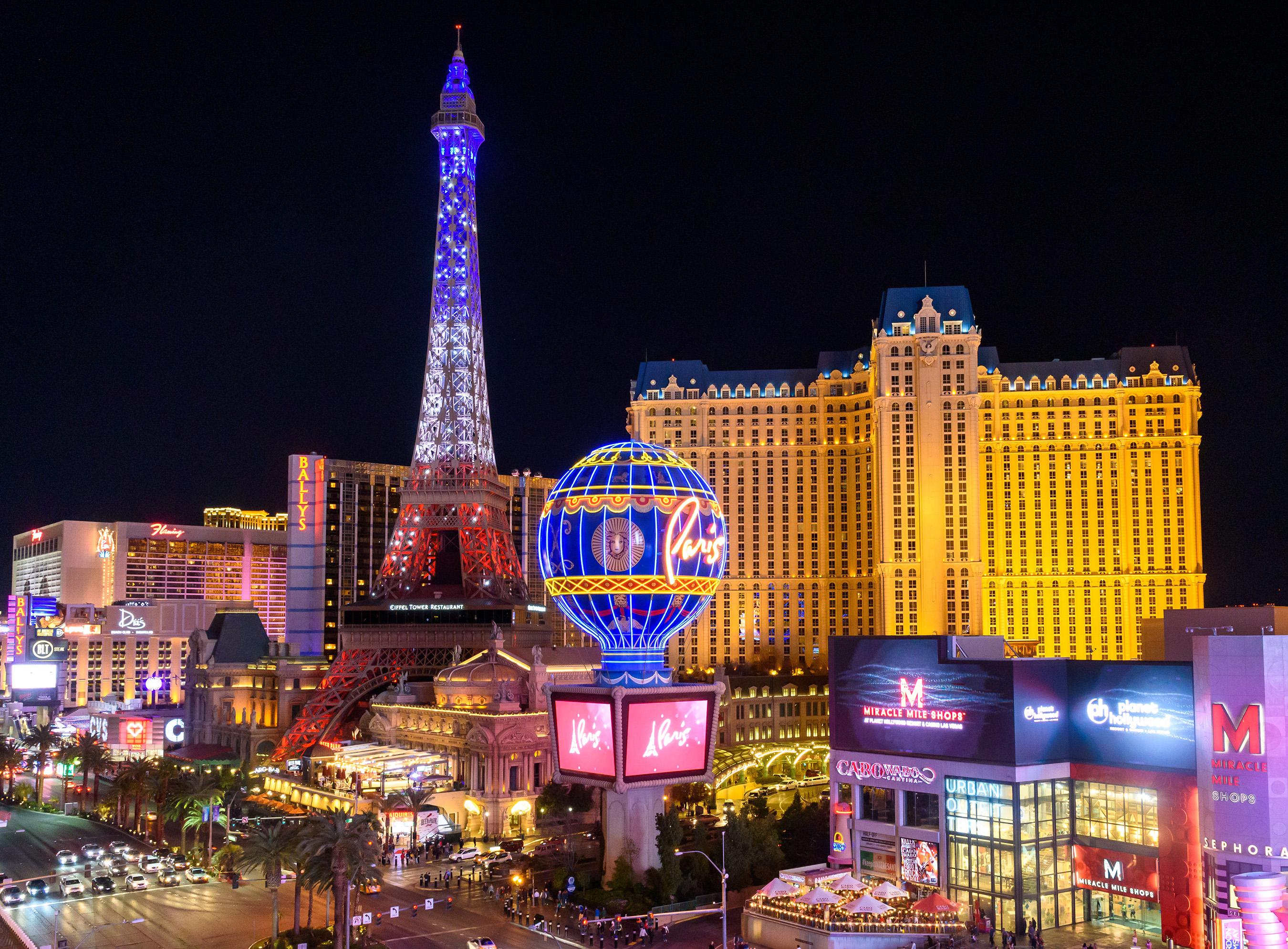Paris Las Vegas debuts new $1.7 million Eiffel Tower light show. (Courtesy of Patrick Gray/KabikPhotoGroup.com)