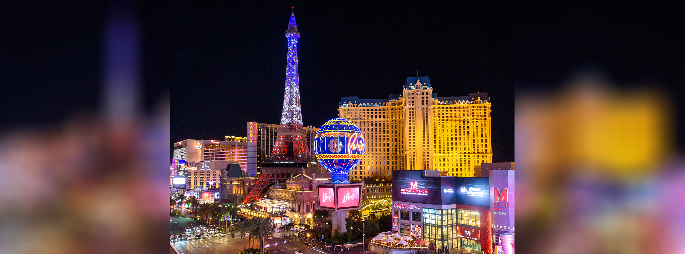paris las vegas debuts new 1 7 million eiffel tower light. Black Bedroom Furniture Sets. Home Design Ideas