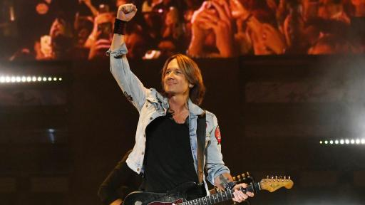 Keith Urban greeting fans during a show