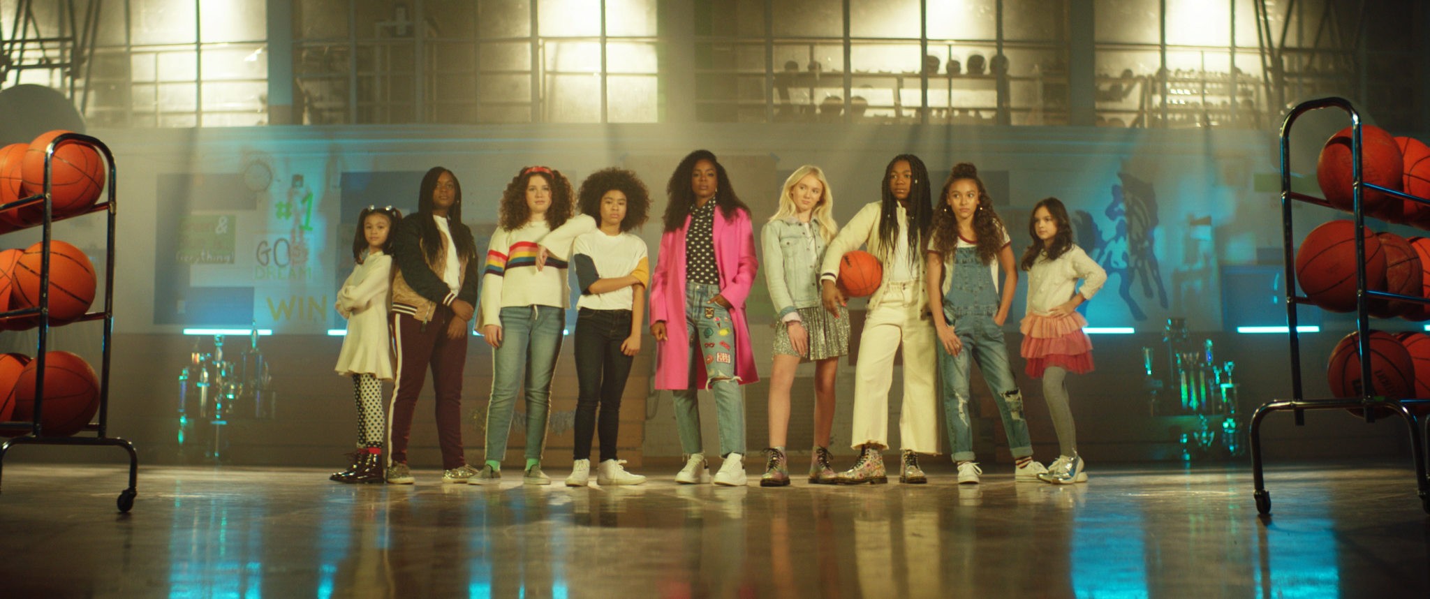 Kelly Rowland and the girls who inspired the song on set