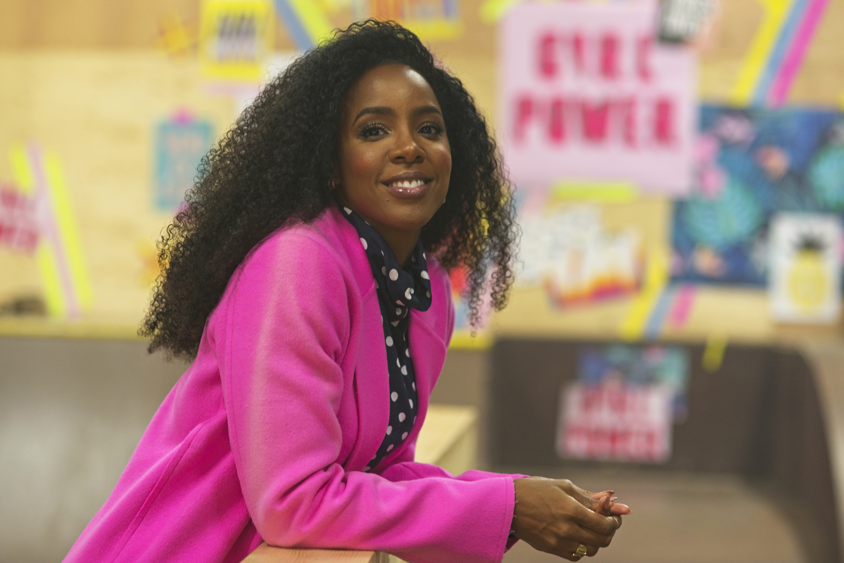 """Kelly Rowland on the set of """"Crown"""""""