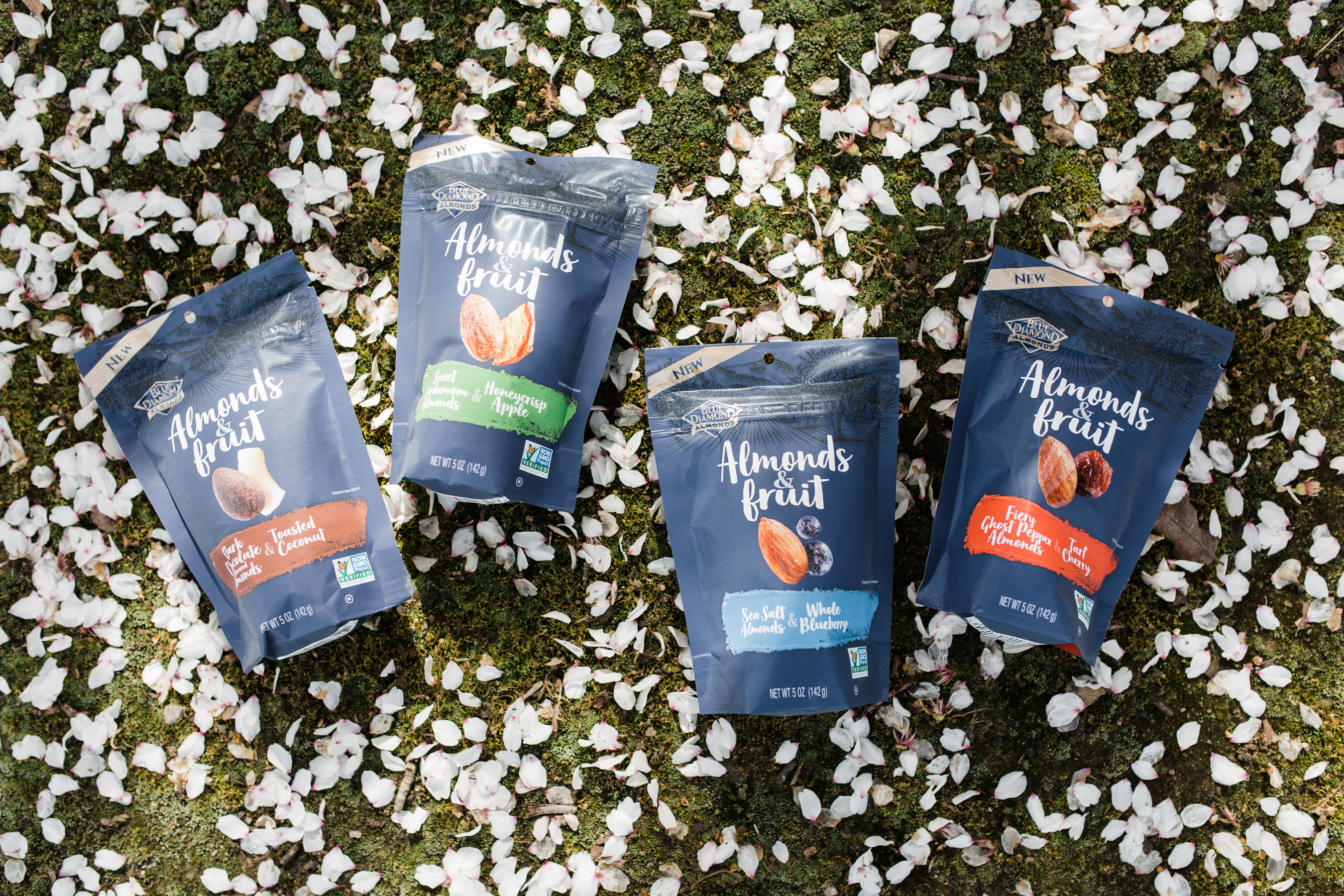 Blue Diamond today expanded their snack almonds portfolio with the launch of Almonds & Fruit, a distinctive take on traditional trail mix.