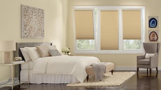 Play Video: Duette Honeycomb Shades