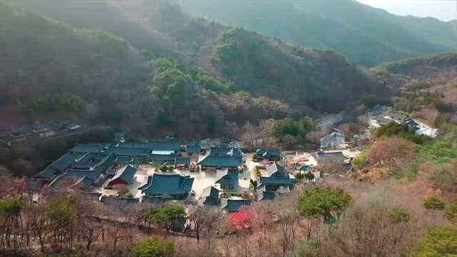 Visit UNESCO World Heritage-listed Buddhist mountain monasteries in Korea
