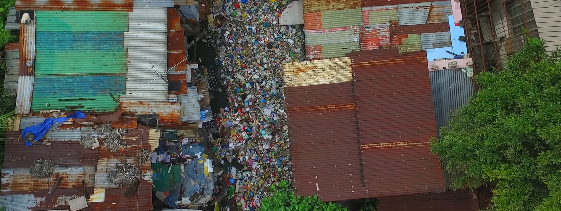Estero de Magdalena carrying waste to the Pasig River, which flows out into the South China Sea.