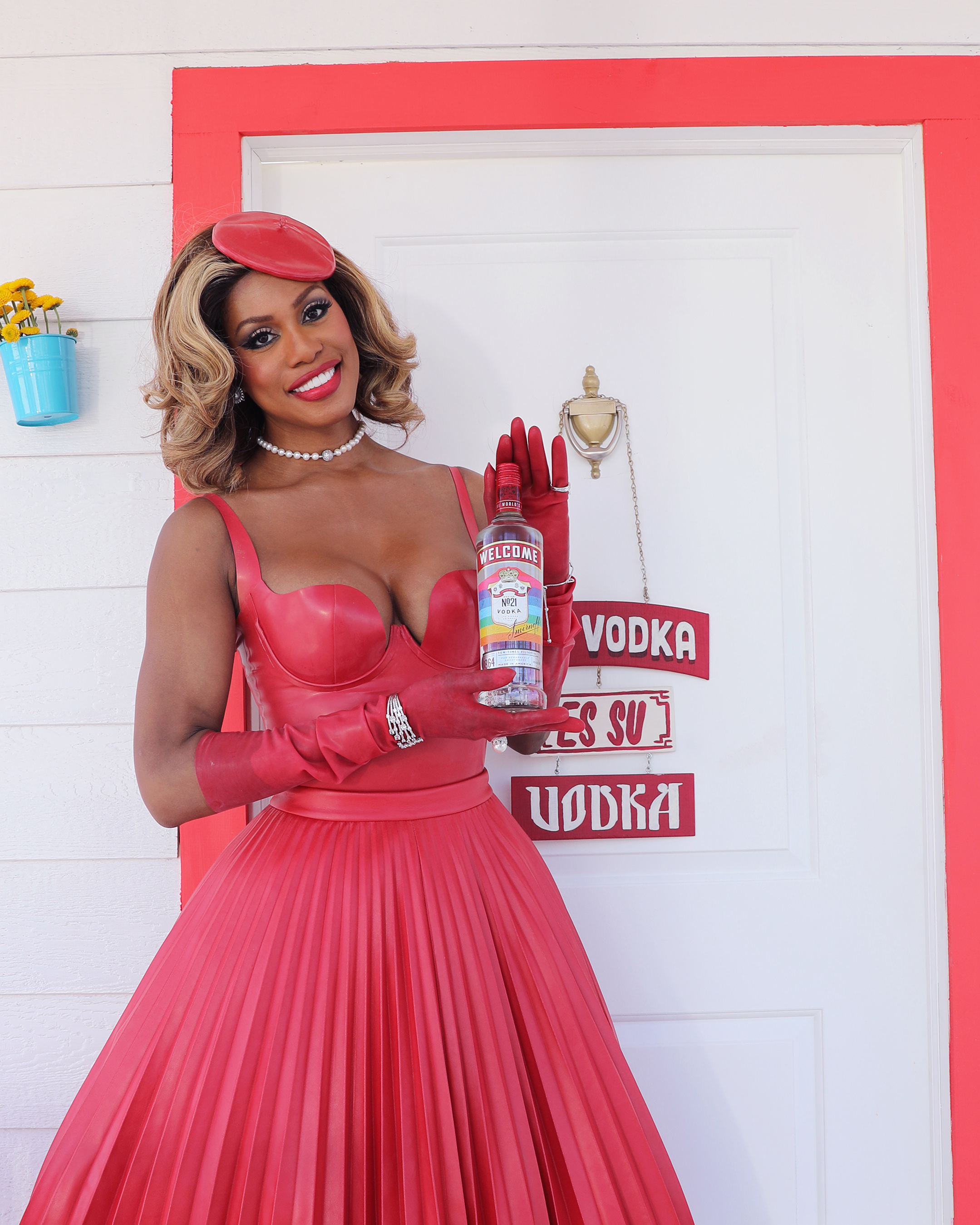 "There are six versions of the Smirnoff ""Welcome"" bottle, and on each one the iconic Smirnoff label is replaced with ""WELCOME"" spelled out in a different language – English, Spanish, French, Italian, Russian and Mandarin."