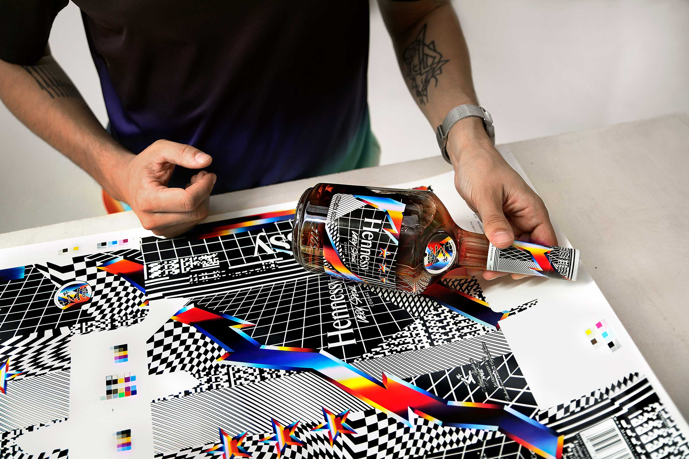 "The work, entitled ""W-3 Dimensional Three Stars"", is reprised on the V.S Limited Edition label by Felipe Pantone"