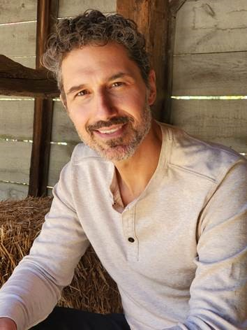 Reality TV star and two-time blood cancer survivor Ethan Zohn to participate in Big Climb.