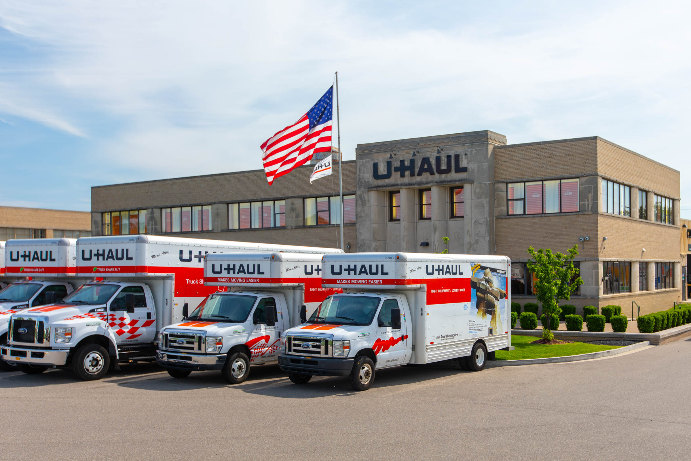 In early March, U-Haul was among the first U.S. companies to provide public assistance during the pandemic, offering 30 days of free self-storage to all students with college IDs whose lives were changed by campuses closing for the spring term. The offer is ongoing at all U-Haul-owned facilities in North America (subject to availability).