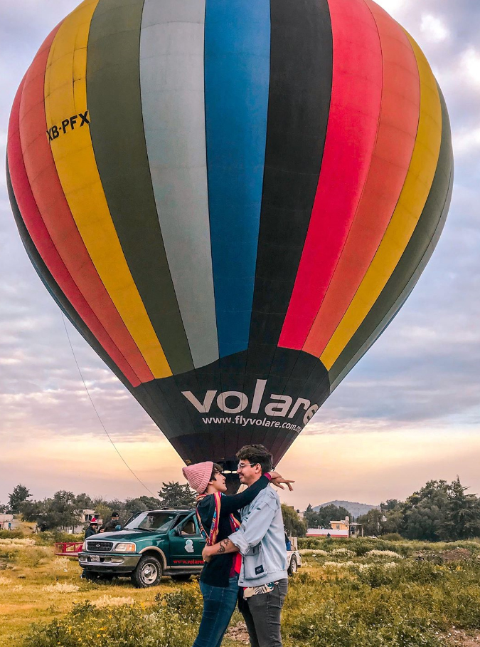 Mexican creators gathers for a hot air balloon experience (@planbviajero)