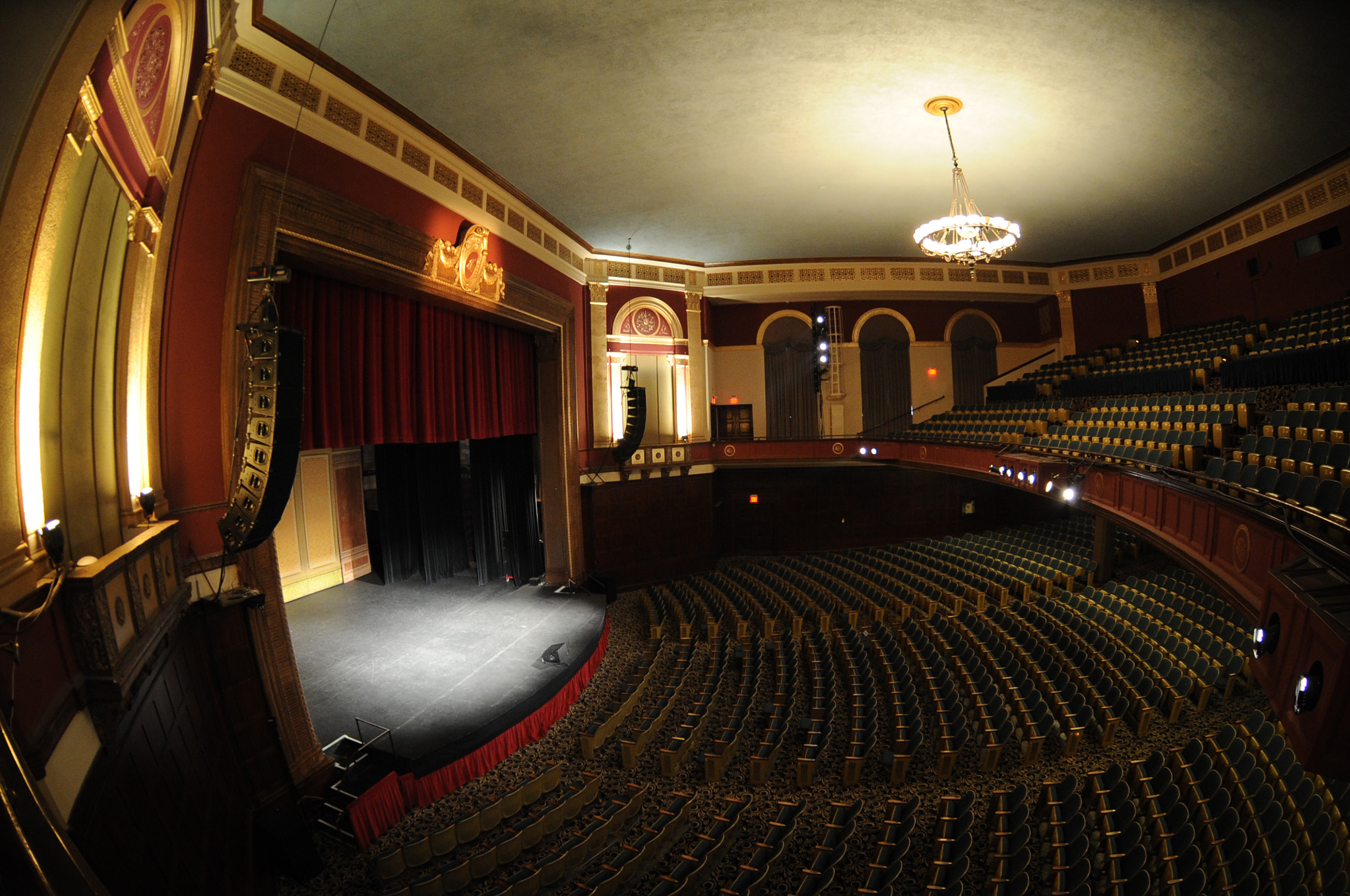 The Ebell of Los Angeles and the accompanying Wilshire Ebell Theater participates in and encourages the educational, cultural and social growth of the Los Angeles community.