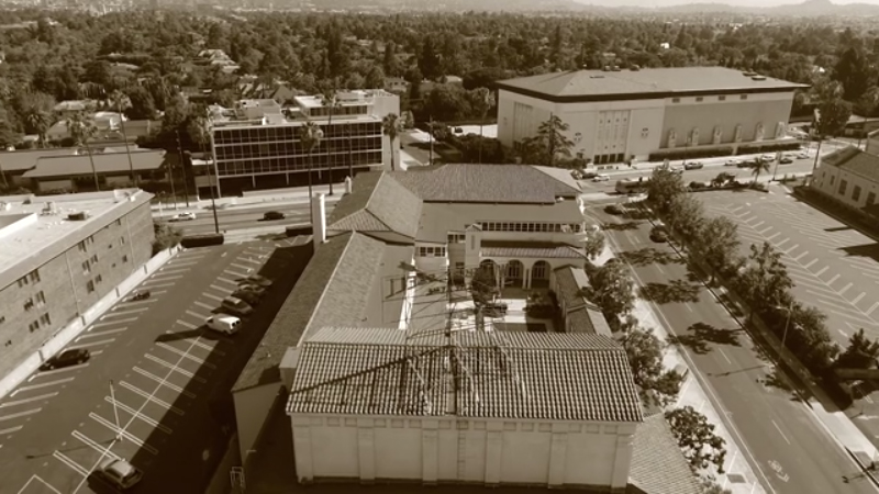 With the need to replace old, inefficient systems that only cooled the theater space, the Ebell of Los Angeles sought a new, innovative HVAC solution to address the needs of the larger complex beyond the theater and the occupants.
