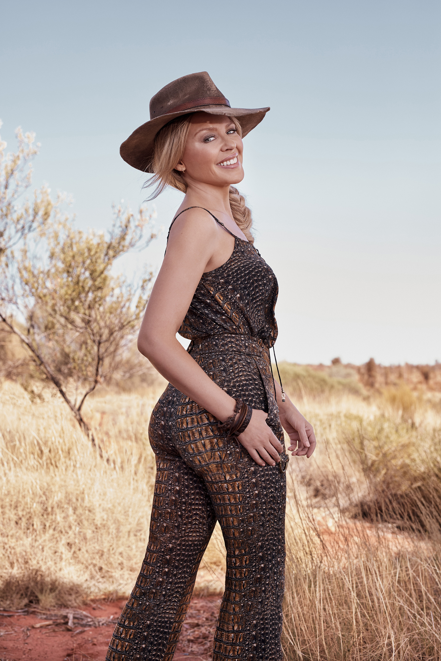 Australia S Pop Icon Kylie Minogue Invites Brits Down Under
