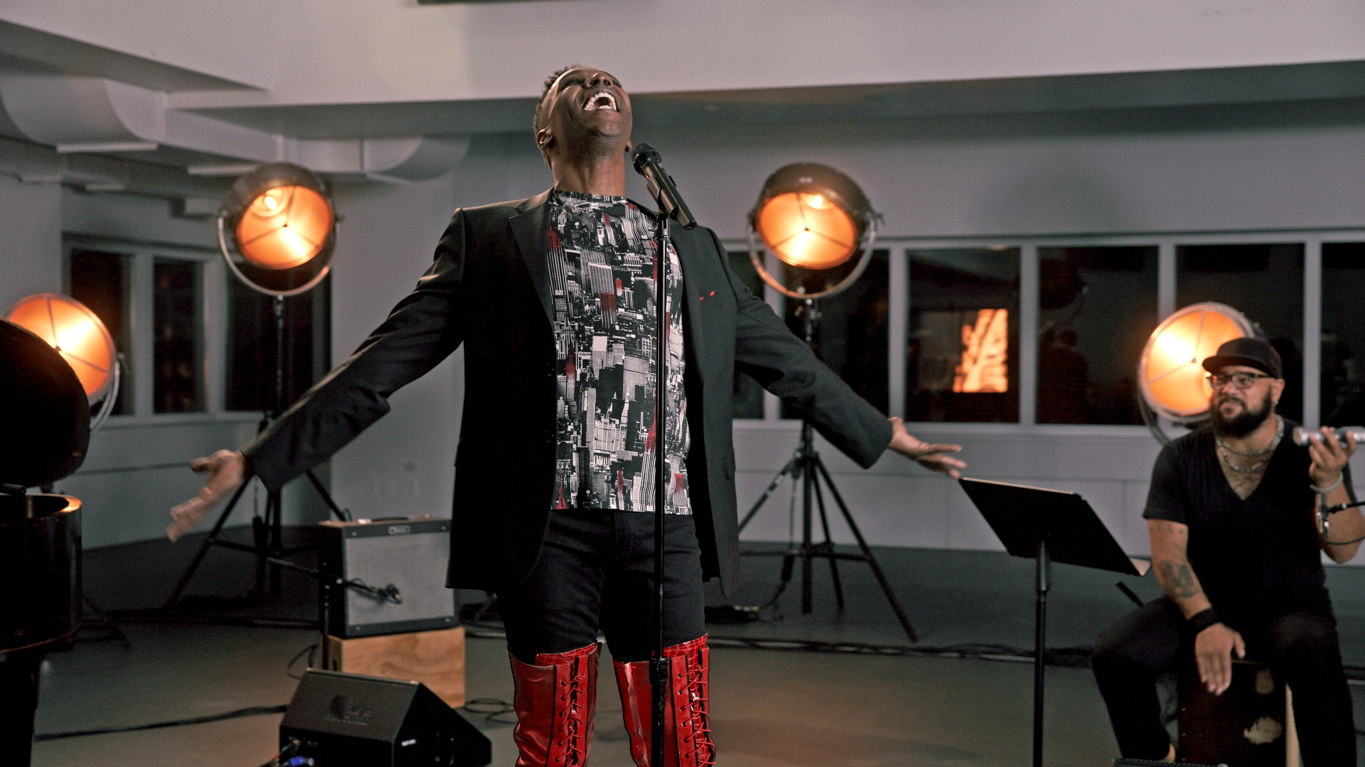 """Norwegian Cruise Line presents the second """"EMBARK NCL Spotlight"""" episode, """"Live From Broadway,"""" on Dec. 17 at 9 p.m. ET with special performances, including Alan Mingo singing """"Land of Lola"""" from the Tony Award®-winning musical """"Kinky Boots"""" available on Norwegian Encore."""
