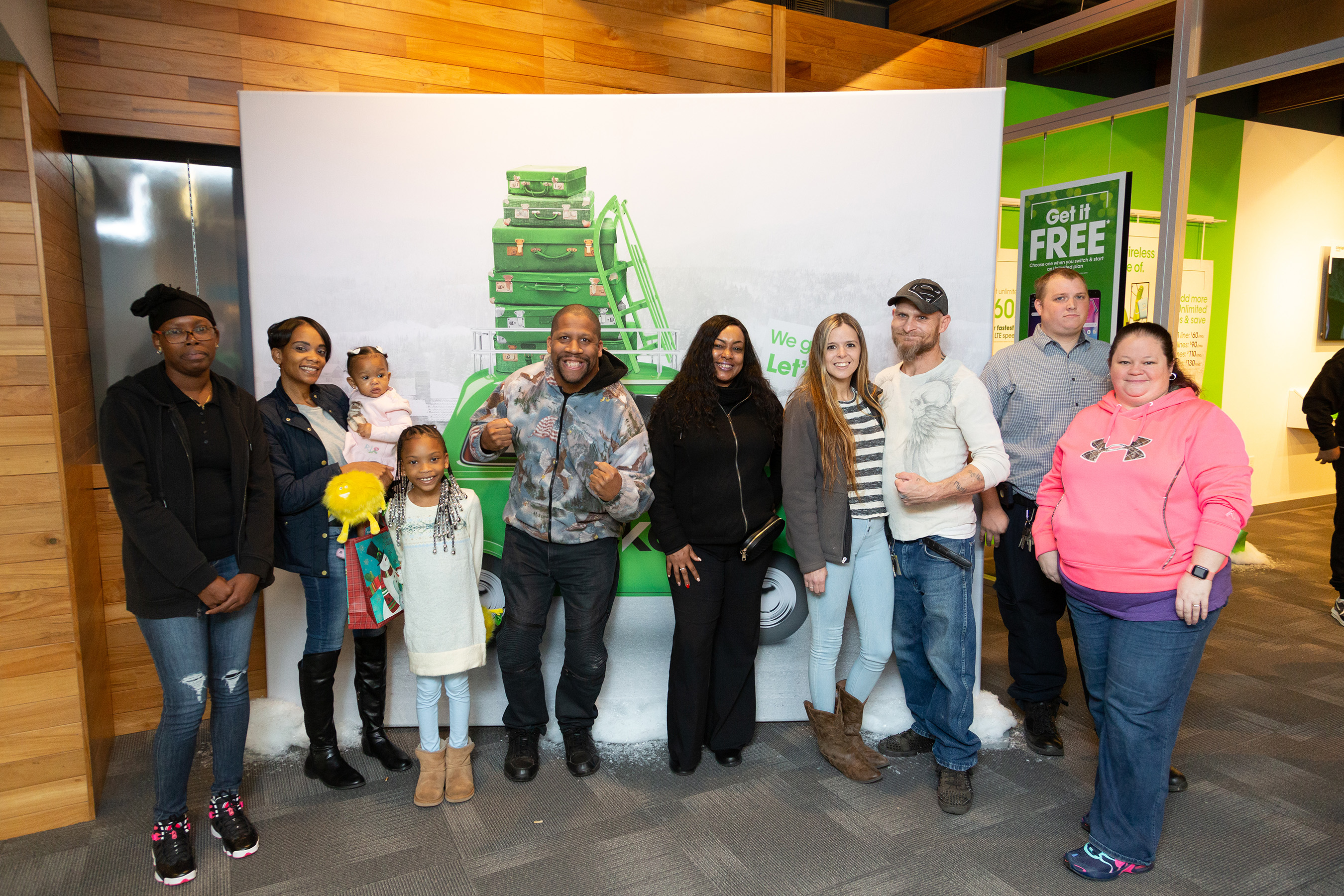 The 144 winning families across the country not only received over $1,000 in gifts. They also made new friends in Cricket Wireless and each other.