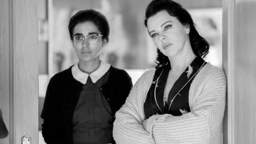 Inma Cuesta and Debi Mazar in Arde Madrid: Burn Madrid Burn