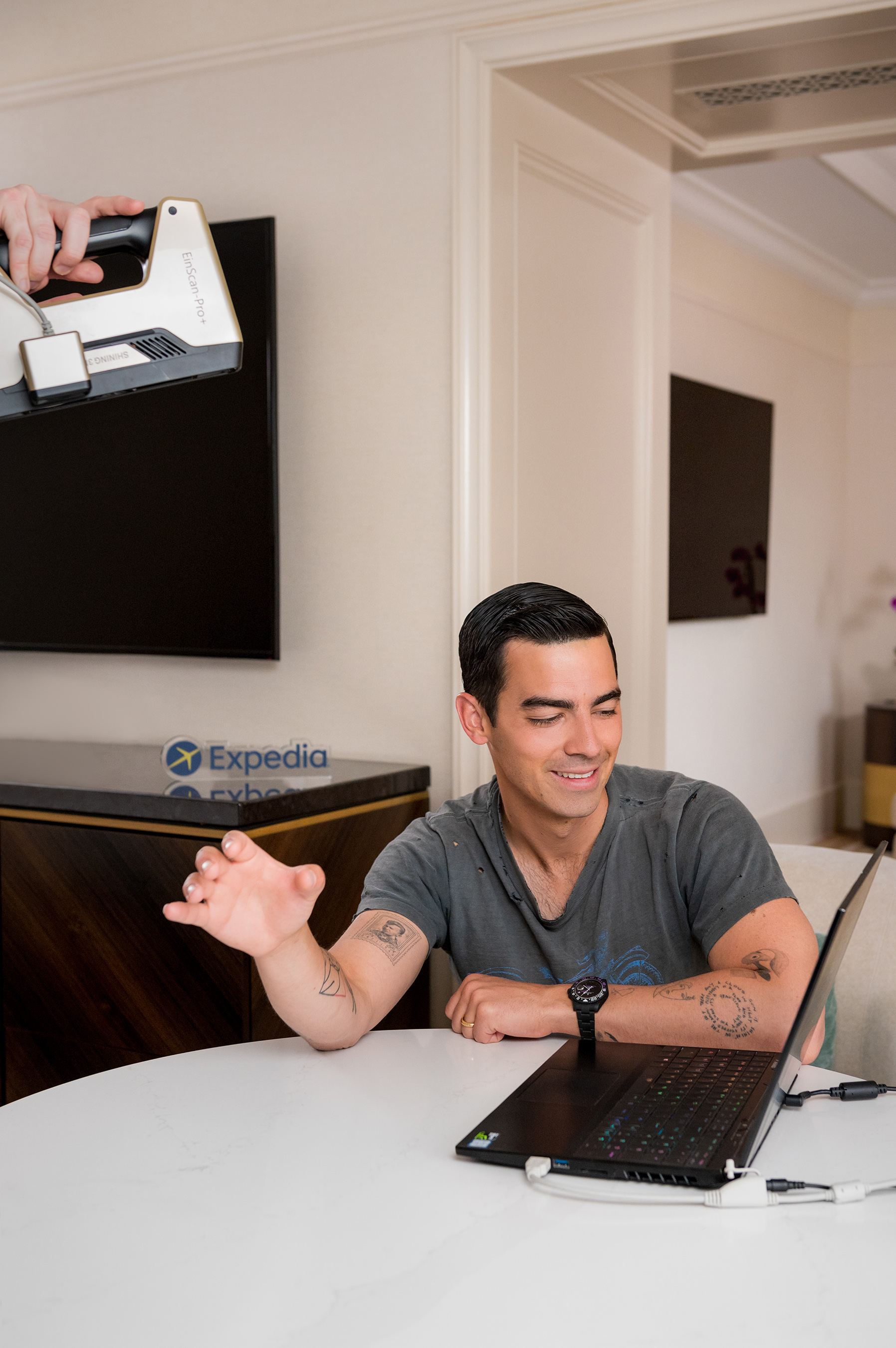 A sneak peek at the making of the Expedia Helping Hand - an exact replica of Joe Jonas's right hand that will be offered in support to travelers who are eager to travel the world again